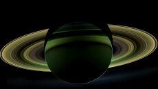 """""""Grand Finale"""" sondy Cassini na Saturnie"""